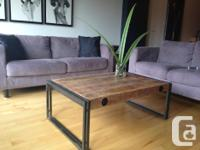 Magnifique table à café moderne (industrielle) aux