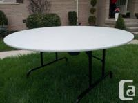 Beautiful round 60 inch, high quality, excellent/almost