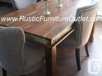 Jolie tables en bois exotique provenant des Indes qui