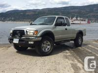 2001 Toyota Tacoma & Camper  Extended Cab 4WD V6