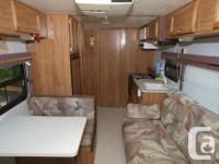 1997 22ft 5th wheel trailer Full bathroom Outside