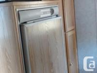 22 ftTahoe Packrat, King size bed, 3 way fridge,