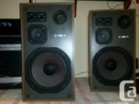 - tower speakers sound FANTASTIC! they are in excellent