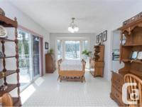 # Bath 3 Sq Ft 3025 # Bed 4 Sought-after Brentwood Bay