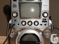 """THE SINGING DEVICE-- KARAOKE TRACT WITH 5.5"""" SCREEN--"""