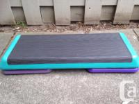 Step platform with one pair of risers Very good