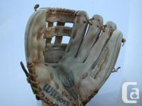 The A8000 Wilson Pro-Back Baseball glove 13 1/2 inch