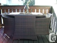 Three piece patio conversation set in excellent