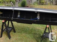 Thule 250 roof top cargo box, clean and in good