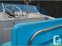 Tollycraft 28' Cruiser. Year : 1972 Engine : 2 x