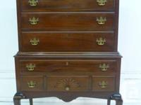 Top quality 2-pieces Mahogany chest on chest. North