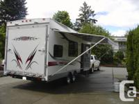 2007 26' Vortex toy hauler 4000 built in generator,