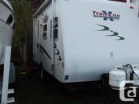 Very clean, ultra light 17' foot trailer. Dry weight