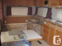 1998 TRAVELAIRE 5th Wheel -- Roughneck. Built for
