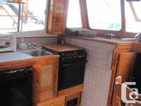 '75 CHB Grand-Mariner 34' Tri-Cabin Don't let the age