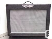 You are now viewing a Traynor guitar  amp, model DG15.