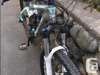 Mint condition, never ridden. Fox rear suspension, Rock