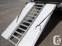 Good condition tri-fold aluminum ramp set. Sturdy