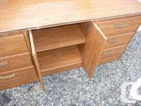 triple dresser with large mirror, 6 drawers and center