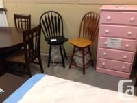 Swivel bar stools. brand-new. In black colour or oak