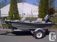 "Pelican Boat 10.3 Feet long, ""V"" Double Hull, battery"