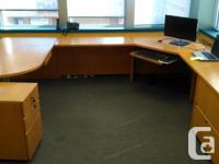 U-Shaped Oak Office Desk 2 locking filing cabinets -