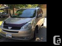 2004 Toyota Sienna LE Low kms very well taken care of
