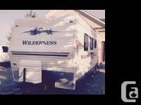 2004 Fleetwood Wilderness Length 28 feet Sleeps 8 1 AIR