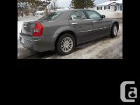 2010 Chrysler 300 Beautiful well maintained saftied