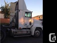 1999 Freightliner FLD120. 466028 mis, No oil leak, ten