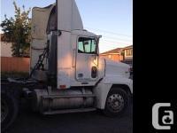 1999 Freightliner FLD120. 466028 mis, No oil leak, ten