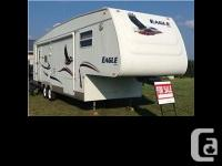 2004 Jayco Eagle M301RLS This 2004 Jayco Eagle M301RLS