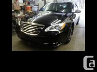 2013 Chrysler 200 Limited Fully loaded Accident free V6