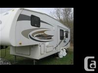 2008 Jayco Eagle. Solar roof-mounted Panels and a bonus
