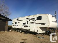 2007 Keystone RAPTOR 3612, Interior features are two