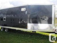 STANDARD FEATURES: 6� Long V-Nose 74� Front Ramp Door