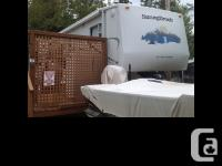 2005 SunnyBrook RV Titan Series Trailer Triple axles