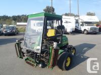 2004 John Deere 3215B Lawn Mower Diesel. five Gang