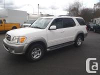 2002 Toyota Sequoia SR5 (Gold Package). automatic