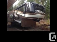 2011 Coachmen Brookstone M-367RL Length 38 feet, Dual