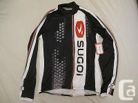 I have a Sugoi Woman large Evolution Jersey Full front