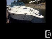 1993 Four Winns 365 Express Cruiser This beautifully