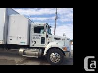 2010 PETERBILT 335 White exterior, Gray interior Air
