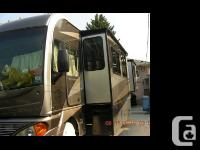 2005 Fleetwood Pace Arrow M-36B Length 36 ft 3 slide