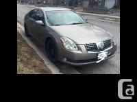 2005 Nissan Maxima 3.5 SL Heated leather interior and