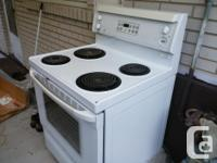 I am selling a good condition GE cooking range, works