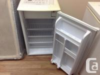 Used mini/bar fridge in great condition. Dimensions