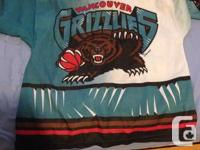 I have a vancouver grizzlies hockey jersey size large. for sale  British Columbia