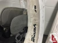 Vaughn Ventus LT68 youth goalie pads. Pads are 28-inch