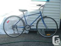 """700 hybrid unisex bike, 16"""" frame size fits rider"""